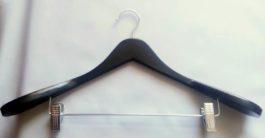 Вешалка широкая с зажимами черная