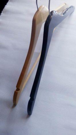 Вешалка деревянная с поворотным крючком черная